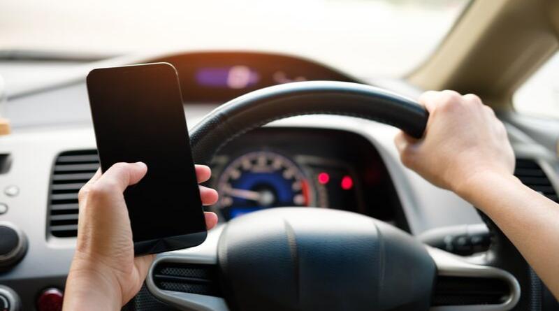 usar móvil al volante
