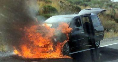 coche ardiendo