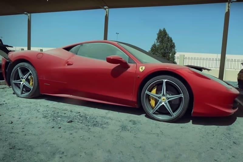 coches-de-lujo-abandonados-en-Dubai-motoreto
