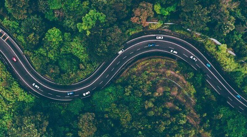 Cómo adelantar correctamente en carretera