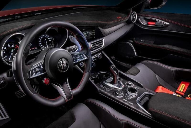 Alfa-Romeo-Giulia-GTA-GTAm